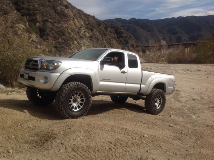 how much lift for tires tacoma forum toyota truck fans. Black Bedroom Furniture Sets. Home Design Ideas